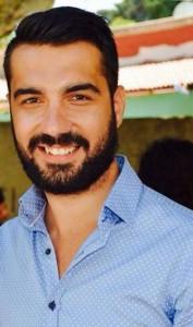 Καζάκης Ιωάννης Φοιτητής επί πτυχίω του Πανεπιστημίου Αιγαίου του τμήματος Μεσογειακών Σπουδών στην Ρόδο με ειδικότητα στις Διεθνείς Οικονομικές Σχέσεις. Εργάζεται ως υπεύθυνος δημοσίων σχέσεων σε κέντρα εστίασης και συμμετέχει για πρώτη φορά στο συνέδριο ΜΒΕ. Σύντομα θα αρθρογραφήσει σε blogs πολιτικού και κοινωνικού περιεχομένου .